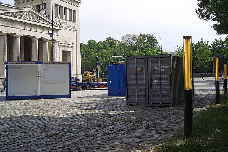 Containeranlage auf Platz
